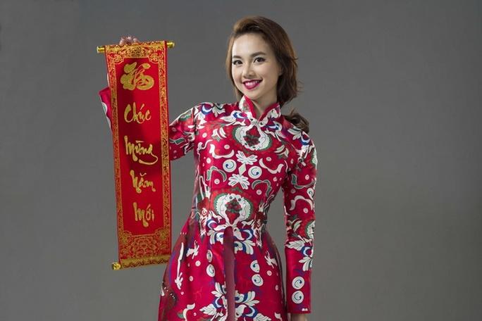 Năm qua, Đinh Ngọc Diệp đã đính hôn với đạo diễn Victor Vũ. Cô cũng tham gia vào phim Lộc phát sắp ra rạp vào dịp Tết này