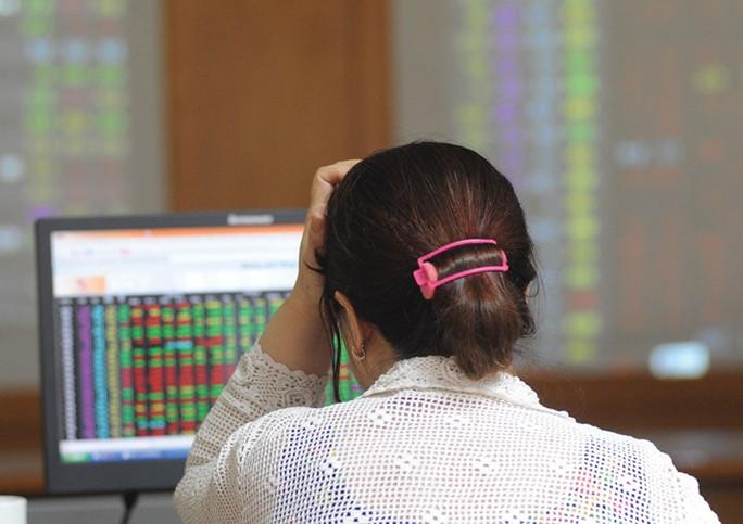 Nhà đầu tư than phiền về quy chế giao dịch mới ở sàn HoSE