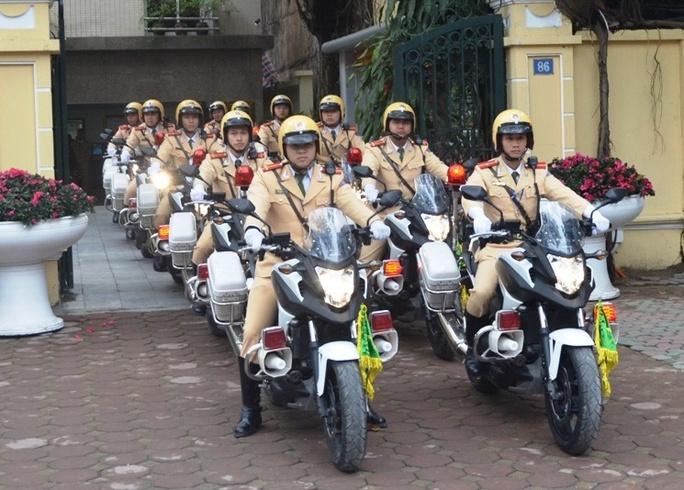 100% chiến sỹ CSGT TP Hà Nội ra quân đảm bảo an toàn giao thông trong kỳ Đại hội Đảng