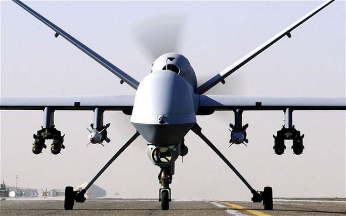 Mỹ muốn trang bị laser cho UAV để bắn hạ tên lửa. Ảnh: PA