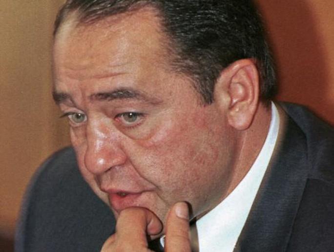 Ông Lesin dự một cuộc họp báo tại Moscow năm 2000. Ảnh: Reuters