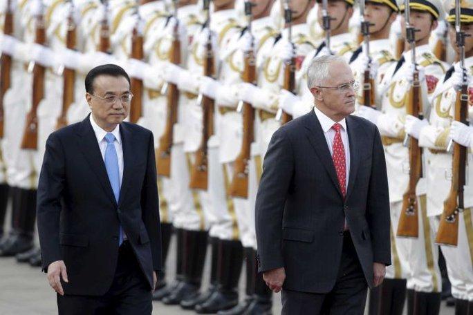 Thủ tướng Úc Malcolm Turnbull (phải) gặp người đồng cấp Trung Quốc Lý Khắc Cường. Ảnh: Reuters