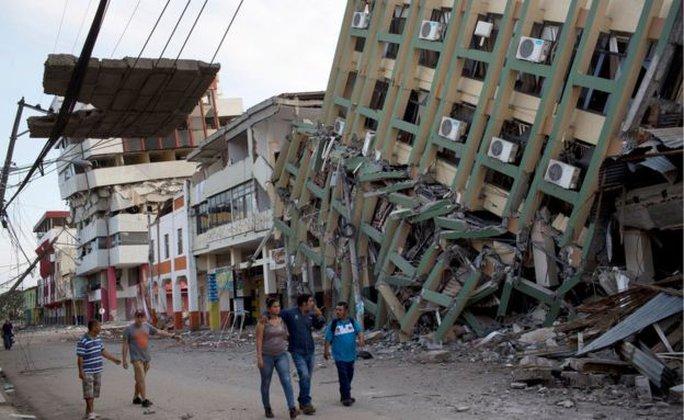 TP Portoviejo bị tàn phá nặng nề. Ảnh: AP