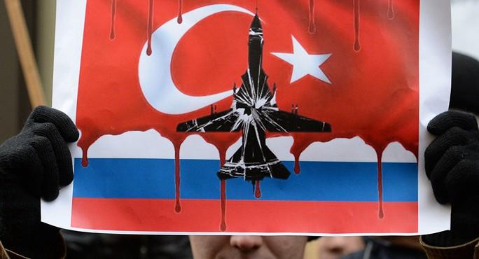 Biểu tình phản đối vụ Thổ Nhĩ Kỳ bắn rơi máy bay Nga tại thủ đô Moscow. Ảnh: SPUTNIK NEWS