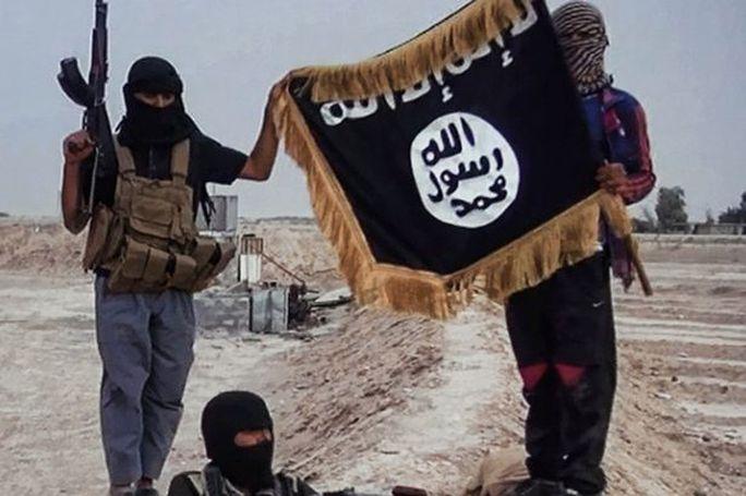 IS đang nỗ lực chiếm lại các vùng lãnh thổ bị mất ở Iraq và Syria. Ảnh: MAUREEN IHASEE