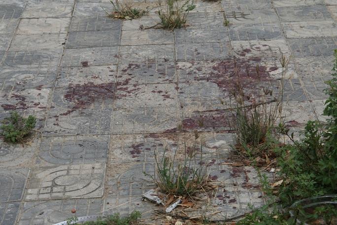 Cô gái 17 tuổi dùng vỏ bia đâm chết Nam vì cho rằng hỗn láo