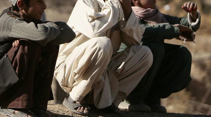 Taliban sử dụng những chàng trai không râu để lừa giết cảnh sát Afghanistan. Ảnh: REUTERS