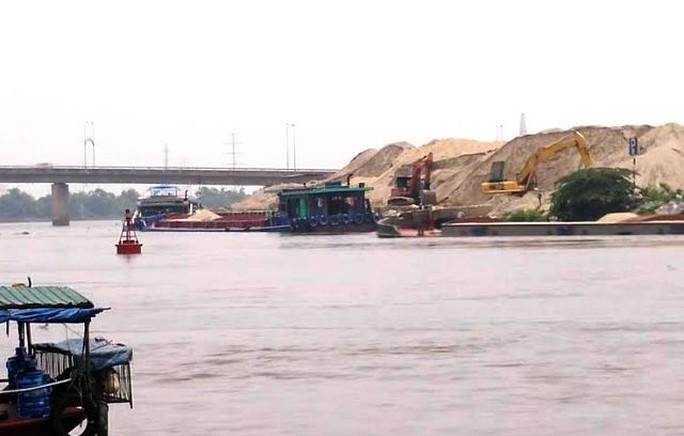 Tình trạng khai thác cái phép trên sông Đáy ở Ninh Bình thời gian qua diễn biến rất phức tạp