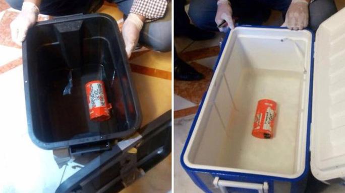 Hai hộp đen của chuyến bay MS804. Ảnh: EPA