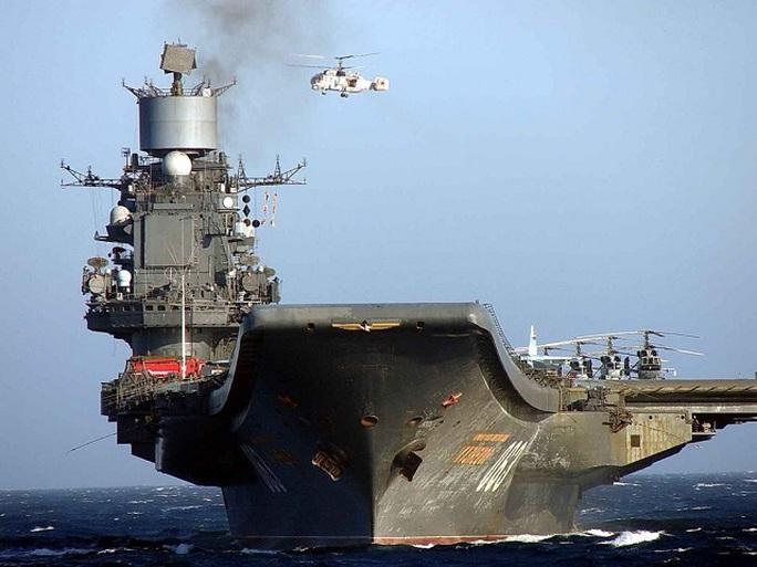 Trực thăng vũ trang K-52 trên tàu sân bay Đô đốc Kuznetsov. Ảnh: WORLD DEFENCE NEWS