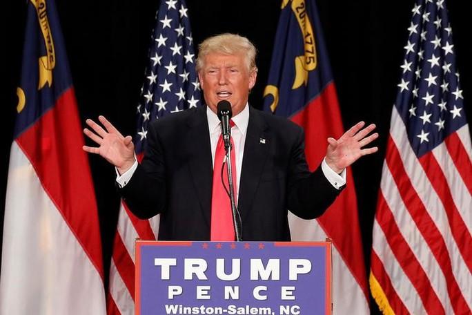 Donald Trump phát biểu tại một sự kiện ở bang Bắc Carolina ngày 25-7. Ảnh: REUTERS