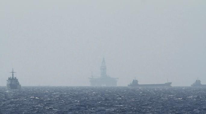 Tàu hải cảnh Trung Quốc gần như can thiệp vào hầu hết các vụ đụng độ ở biển Đông. Ảnh: REUTERS