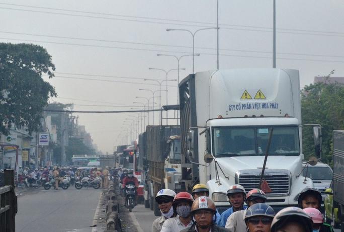Vụ tai nạn khiến giao thông qua khu vực ùn tắc cục bộ