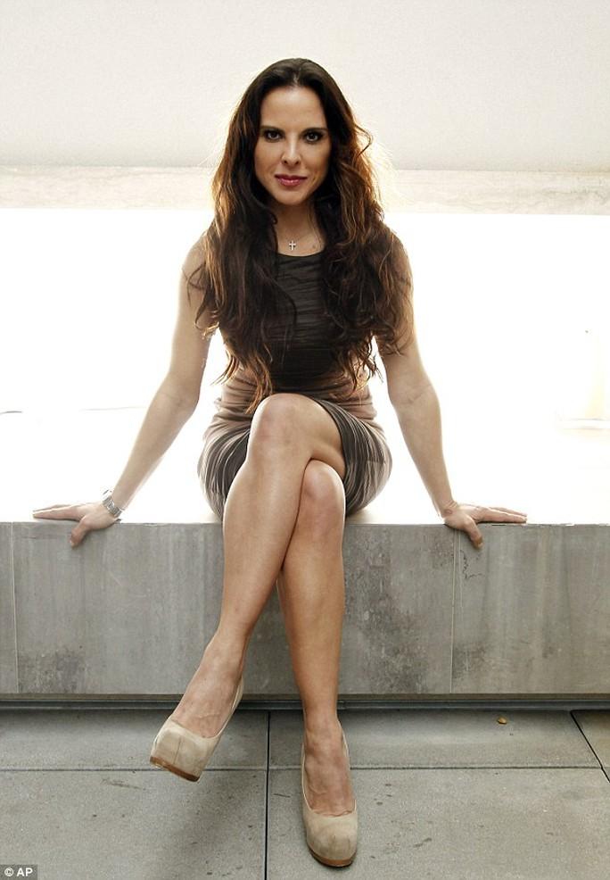 Nữ diễn viên Mexico Kate del Castillo. Ảnh: AP