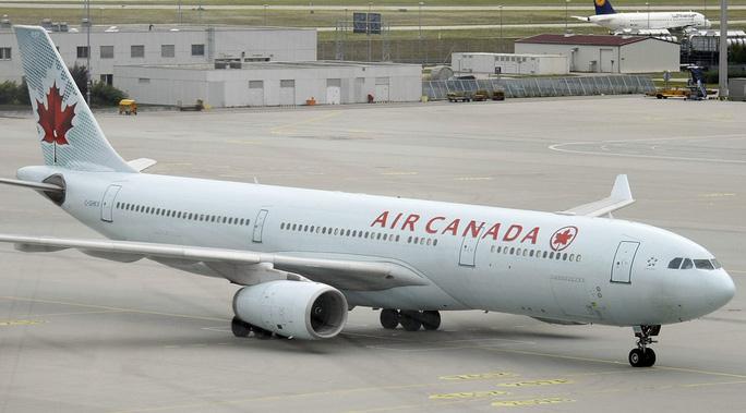 Máy bay hãng Air Canada. Ảnh: RT