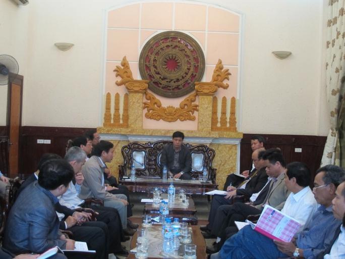 Thứ trưởng Đông yêu cầu Đường sắt thực hiện ngay các biện pháp ngăn chặn cò vé.