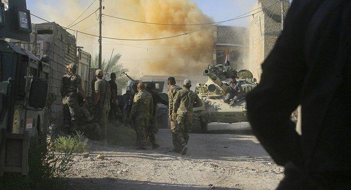 Quân đội Iraq tuyên bố đã giải phóng hoàn toàn TP Fallujah khỏi IS. Ảnh: AP