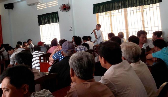 Đông đảo người nuôi bức xúc việc HTX Bò sữa Tân Thông Hội thu 30 triệu đồng/hộ