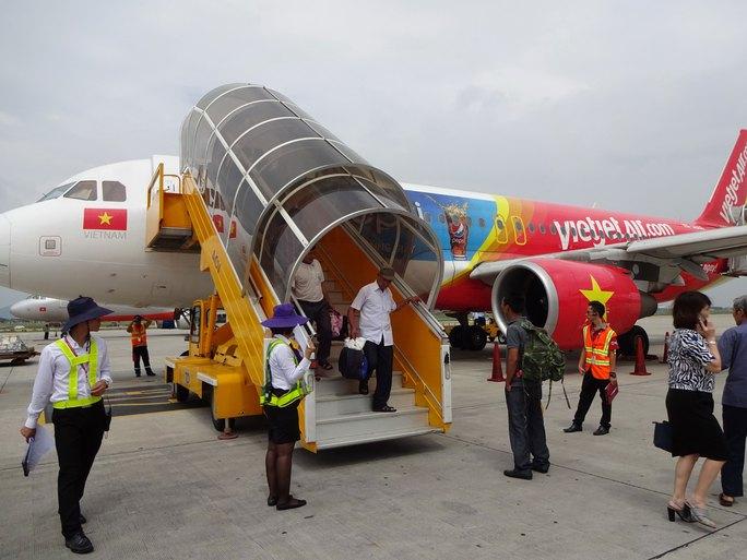 Hành khách có nhiều cơ hội mua máy bay giá rẻ trong dịp hè Ảnh: TẤN THẠNH