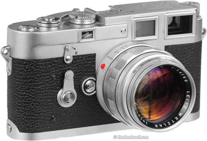 Leica M3 với hình dáng rangefinder...