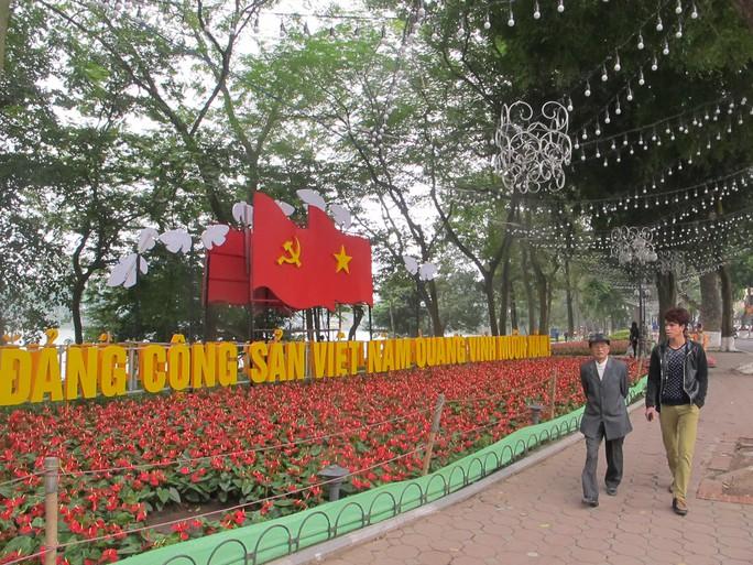 Khu vực quanh hồ Hoàn Kiếm