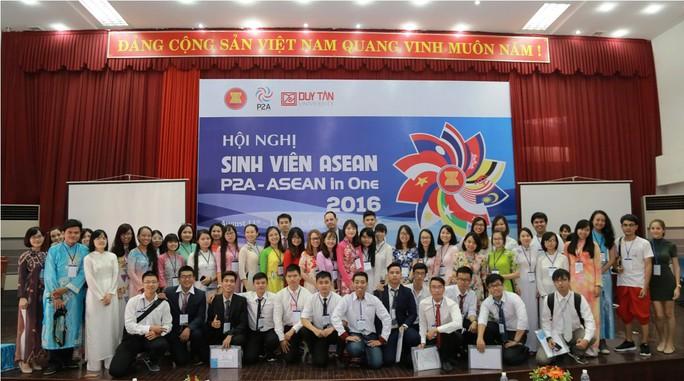 SV tham dự Hội nghị
