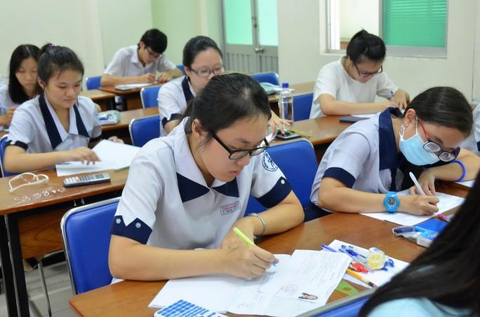 Thí sinh thi THPT quốc gia năm 2015 tại TP HCM Ảnh: TẤN THẠNH