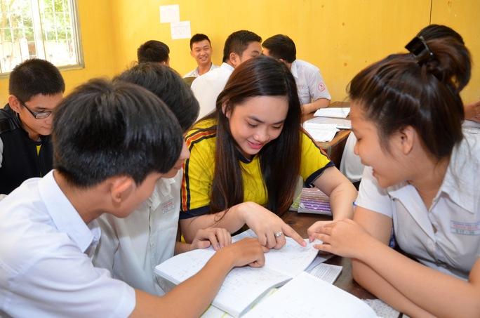 Học sinh Trường THPT Thanh Bình, quận Tân Bình, TP HCM trong giờ học. Ảnh: Tấn Thạnh