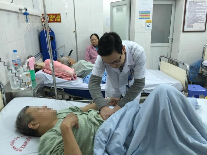 Bệnh nhân được phẫu thuật sỏi thận sớm sẽ giảm các nguy cơ gây biến chứng