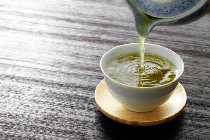 Chất kháng viêm EGCG trong trà xanh có thể chữa viêm khớp dạng thấp ở chuột Ảnh: MNT