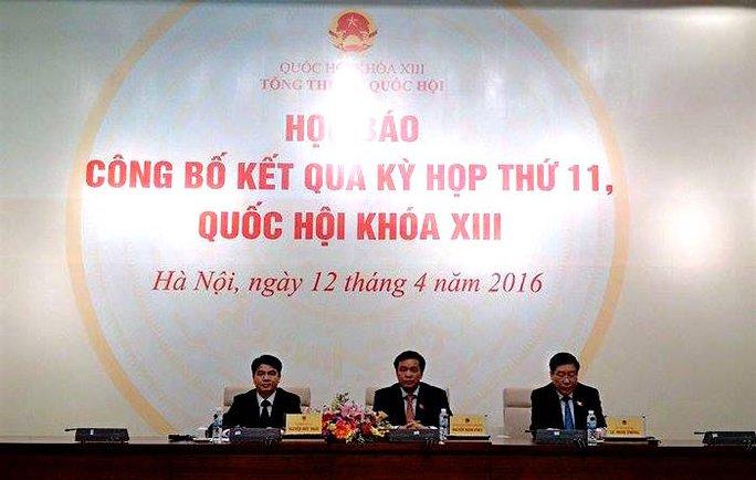 Tổng thư ký cùng 2 Phó tổng thư ký Quốc hội chủ trì họp báo