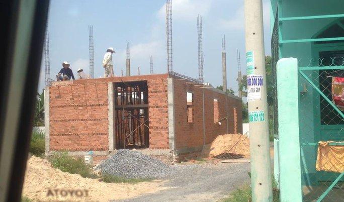 Một công trình xây dựng trái phép diễn ra tại xã Xuân Thới Thượng (huyện Hóc Môn)