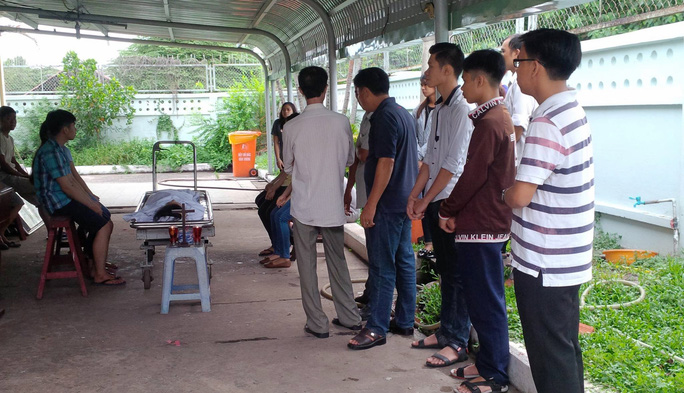 Trần Thị Tố Uyên (SN 1996, ngụ quận Tân Phú) tử vong sau khi truyền nước tại phòng khám trên địa bàn quận Tân Phú.