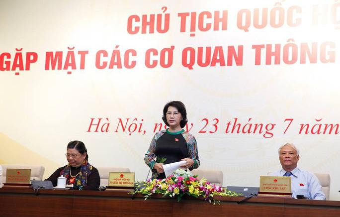 Chủ tịch QH Nguyễn Thị Kim Ngân trả lời câu hỏi phóng viên tại buổi họp báo