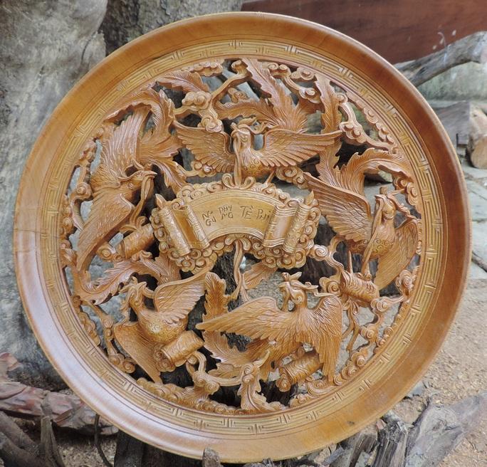 Một sản phẩm tinh xảo của làng mộc Kim Bồng.