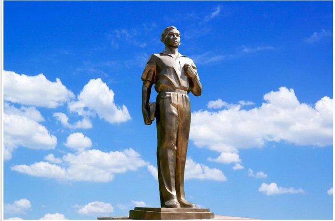 Tượng đài anh hùng liệt sĩ Trần Văn Ơn trên website của Hacomy