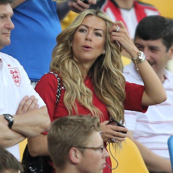 Dàn Wags nóng bỏng của tuyển Anh ở Euro 2016