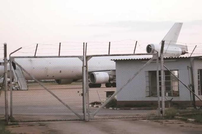 Chiếc máy bay bị Zimbabwe giữ lại. Ảnh: Zimbabwe Herald