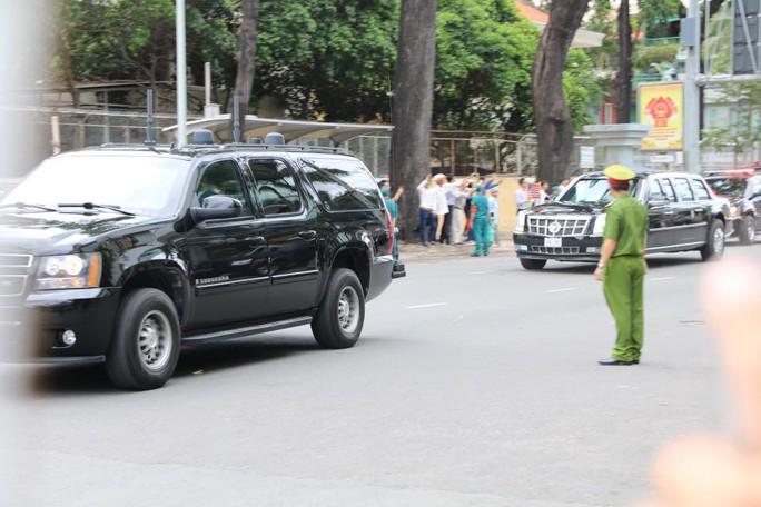 Ông Obama bắt đầu rời Sài Gòn