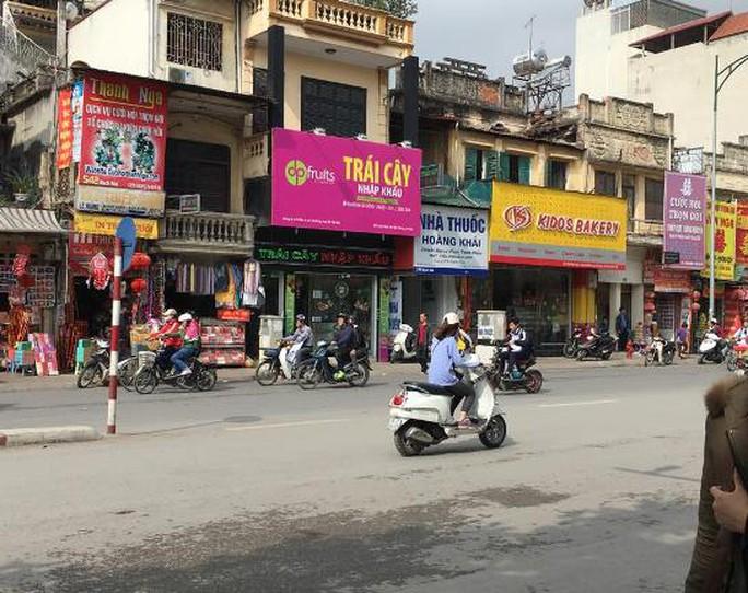 Ngã tư phố Bạch Mai - Minh Khai (quận Hai Bà Trưng) nơi xảy ra vụ trộm túi xách