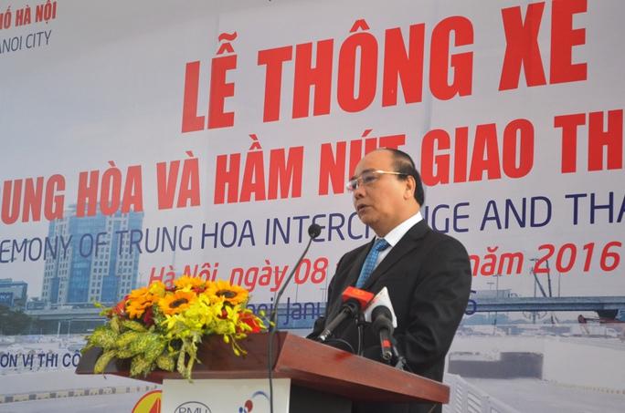 Phó Thủ tướng Nguyễn Xuân Phúc phát biểu tại buổi lễ