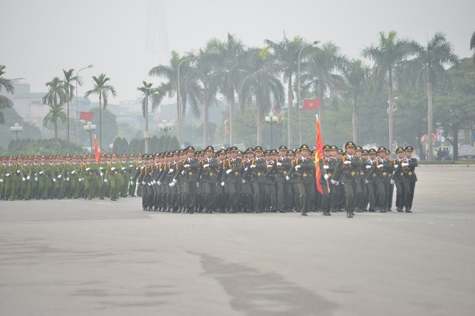 Tham gia lễ xuất quân có hơn 5.000 cán bộ, chiến sĩ cùng nhiều khí tài hiện đại thuộc các đơn vị chức năng thuộc Bộ Công an, Bộ Quốc phòng, Bộ Tư lệnh Thủ đô....