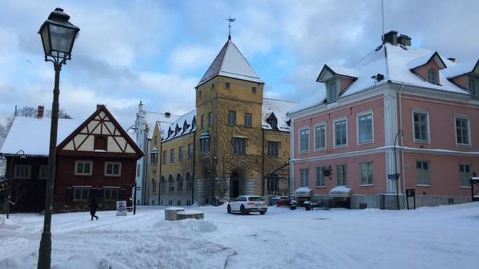 Thị trấn chính Visby trên đảo Gotland. Ảnh: BBC