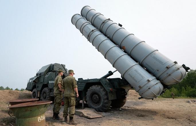 Hệ thống tên lửa S-300 của Nga. Ảnh: TASS