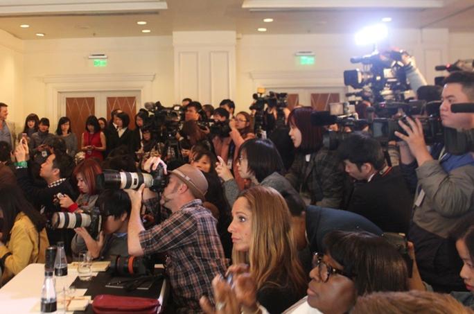 Cuộc họp báo thu hút sự quan tâm lớn của báo chí