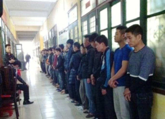Các con bạc bị Công an tỉnh Nam Định bắt giữ