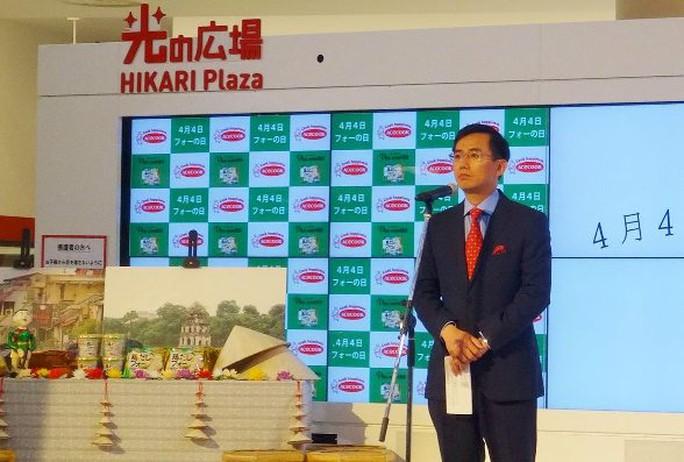 Tổng lãnh sự Việt Nam tại Osaka Trần Đức Bình phát biểu tại Lễ công bố