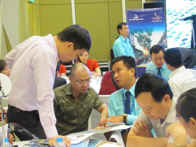 Khách hàng tìm hiểu đâu tư tại dự án Marina Complex Đà Nẵng