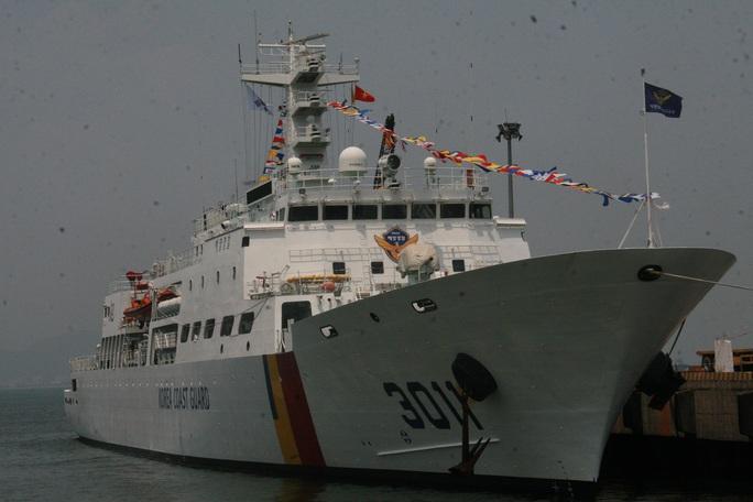 Tàu Badaro có chiều dài 121 m, rộng 16 m