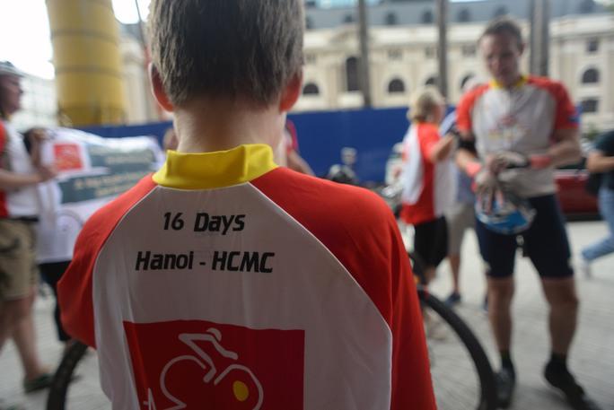Hành trình 'Cyclefor16' đạp xe 1600 km trong 16 ngày đã quyên góp được 66.000 USD (khoảng 1,5 tỉ đồng) cứu giúp cho các trẻ em bị bệnh tim bẩm sinh tại Việt Nam